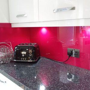 Magenta Pink Acrylic Kitchen Splashback (Gloss Finish)